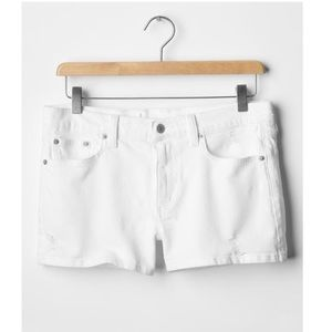 NWOT GAP 1969 Destructed White Slim Denim Shorts